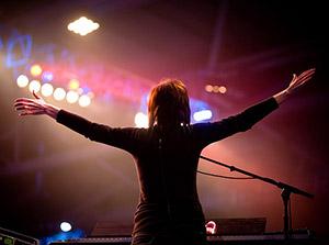 Worship Leaders Who Worship